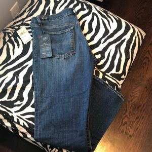 NWT Lucky Sweet Crop Jeans